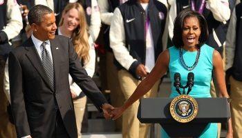 Бывший президент США Барак Обама и его жена Мишель опубликуют свои мемуары