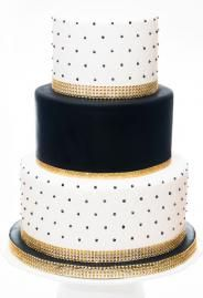 white wedding cake with gold bling 25 best ideas about black and gold cake on 27410