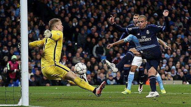 Manchester City: Joe Hart se llevó 14 mil dólares por tapadón a Pepe. April 28, 2016.