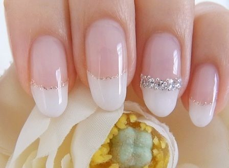 elegant french nail リングみたいでcute♫