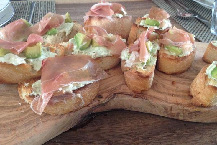 PuurFood by Mieke. (@puurfood_by_mieke) op Instagram: For lunch avocadospread with ham #PuurJam #healty #lunchtijd #avocado #italiaanseham #gezond…'