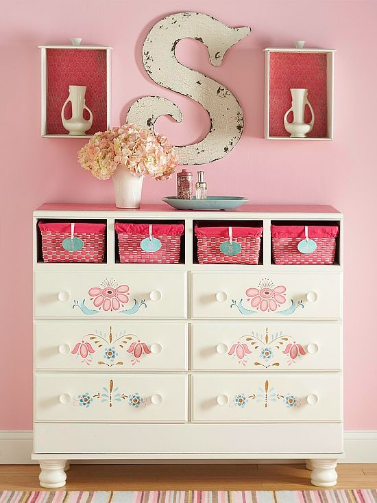 so sweet and since I dont have a daughter I have to pin this to you, it's too pretty not to pin. - Rescue a Beat-Up Dresser