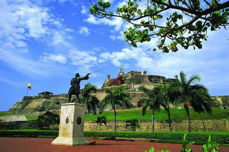 ¿Ya conoces el Castillo de San Felipe en Cartagena? Aprovecha tu estadía en nuestros apartamentos para disfrutar un sitio mágico. Te recomendamos la vista de la ciudad desde la parte alta de la edificación. #RAMServiceGroup