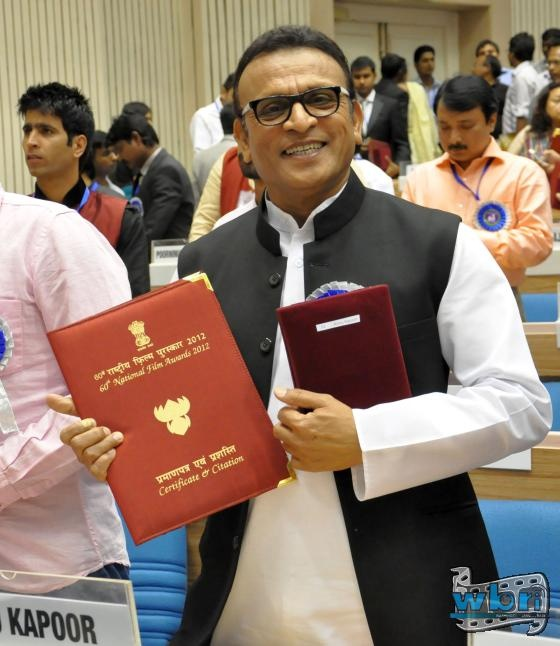Annu Kapoor with Rajat Kamal National Award for Best Supporting Actor for Vicky Donor. The prestigious 60th National Awards were handed out by President Pranab Mukherjee: http://www.washingtonbanglaradio.com/content/54723113-annu-kapoor-receives-national-award-president-pranab-mukherjee-india