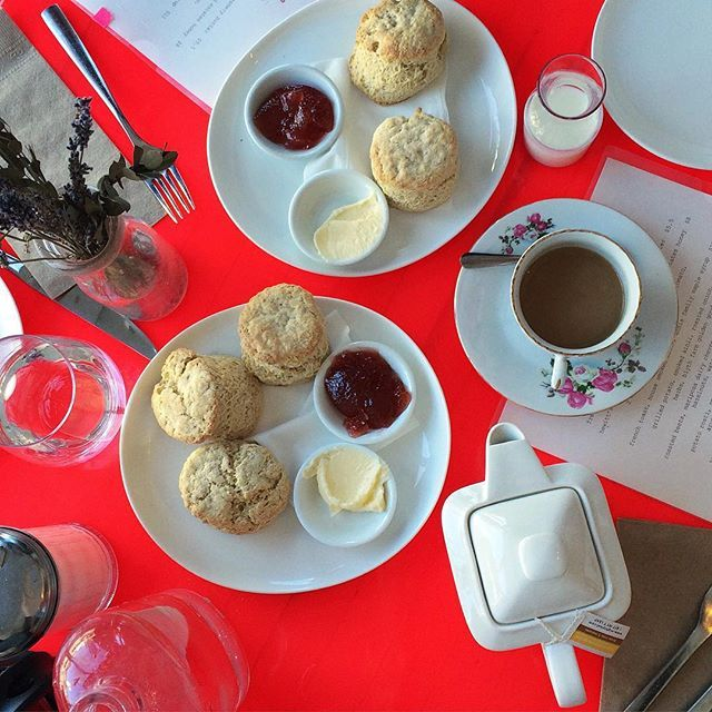 I've been craving scones and jam like crazy as of late. Someone make me some please!