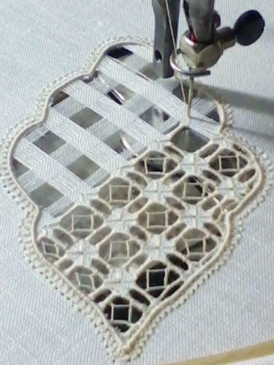 Resultado de imagem para Embroidery It: How to do Cutwork Machine Embroidery a Step-By-Step Tutorial