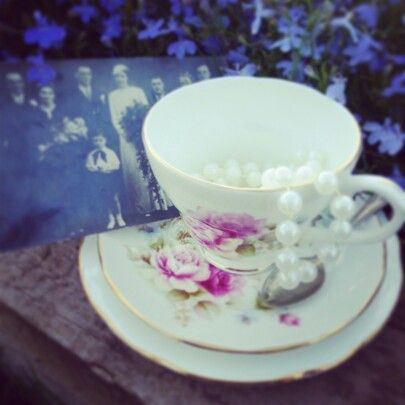 Vintage teas www.butterflyivy.weebly.com