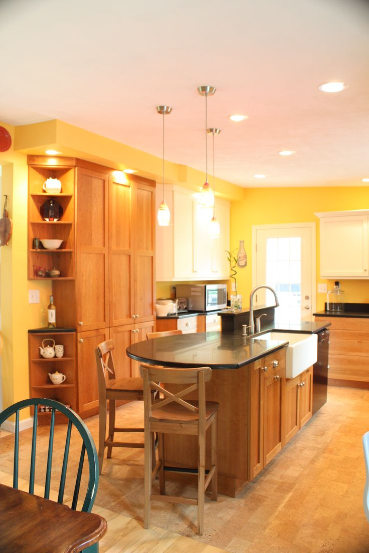 99 best cherry wood cabinet kitchens images on pinterest for Cherry and white kitchen cabinets