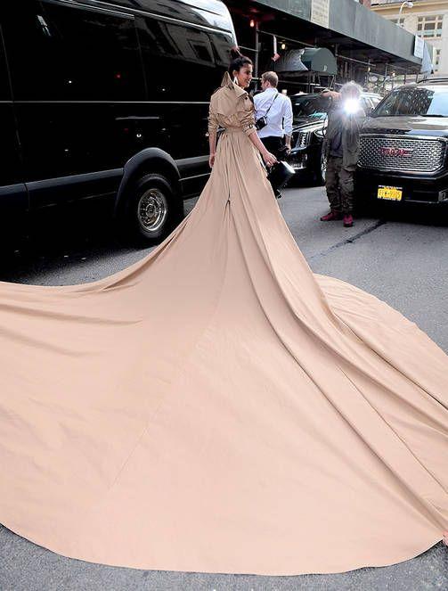 Met-gaalan hengästyttävimmät asut - Kim Kardashianin tyyli pettymys
