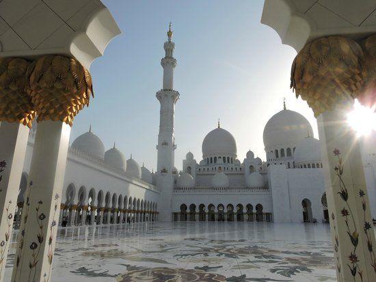 Fotografía de Mezquita Sheikh Zayed, Abu Dabi: Sheikh Ziyeed  Mosque. Echa un vistazo a los 49.538 vídeos y fotos de Mezquita Sheikh Zayed que han tomado los miembros de TripAdvisor.