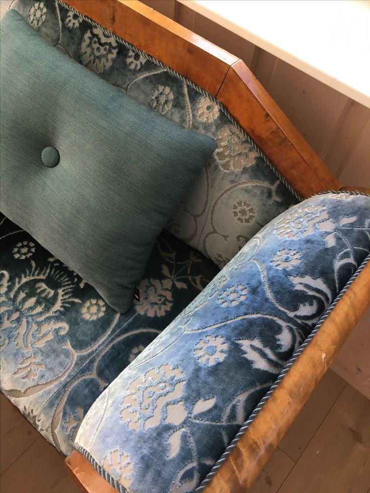 Biedermeyer sofa, Møbelstoff Designers Guild Kreativ Designer: Hege Wølner
