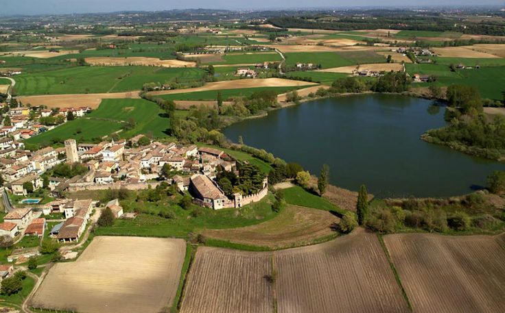 10 Good reasons for visiting #Mantua. You can go on foot, bike and boat #Mantova #Lombardia #Italia #Lombardy #Italy