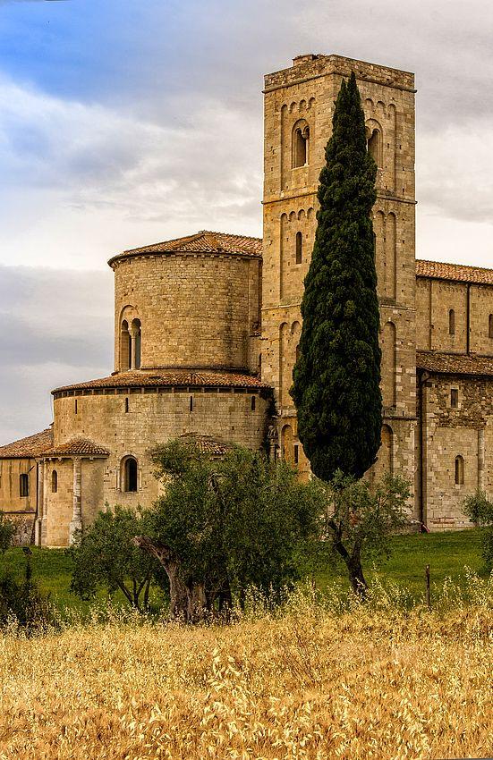 The #Abbey of Sant'Antimo - Castelnuovo dell'Abate, #Montalcino (Siena), #Tuscany, Italy