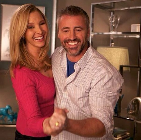 Lisa Kudrow & Matt LeBlanc on Web Therapy - besides having a huge crush on Matt Leblanc I just love this pic of them. Two great friends for real. So nice!