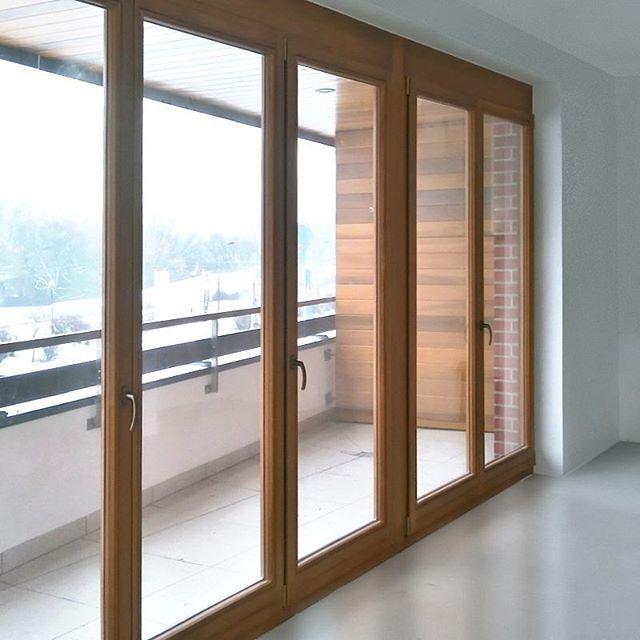 #sierakowskiego #sierakowskiego5 #apartamentowiec #mieszkania #portpraski #warszawa #drewno #okna #widokzokna #balkon #staremiasto #wisła #apartamenty #kamienice #śnieg #wejscie #szkło