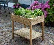 Tips om een goede verhoogde moestuinbak te kopen. De verhoogde kweektafel van Nature is een mooie houten bak van 80x60x80cm. Lees meer verhoogde moestuinbakken op www.foodplanting.com #moestuin