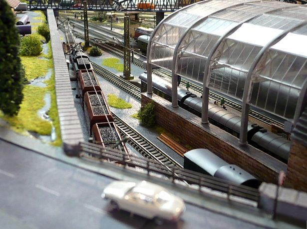 Perfect Model Train Layouts How Big Is Small Train