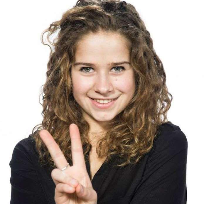 Laura Tesoro. Zangeres en actrice.