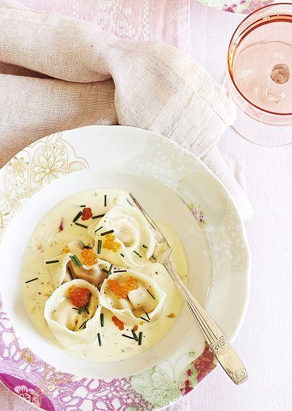 Тортеллини с лососем в соусе с шампанским - Рецепты - Flavor