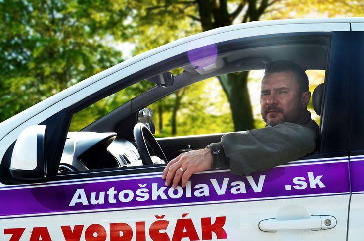 Milan Štefanov - Je jedným z najobľúbenejších inštruktorov a v Autoškole VaV je spomedzi všetkých inštruktorov najdlhšie.