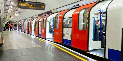 Mobile operators to trial London tube coverage http://www.telegraph.co.uk/business/2017/08/09/mobile-operators-trial-london-tube-coverage/?WT.mc_id=tmg_share_li