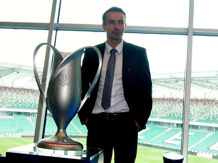 Piotr Gołos and a trophy!