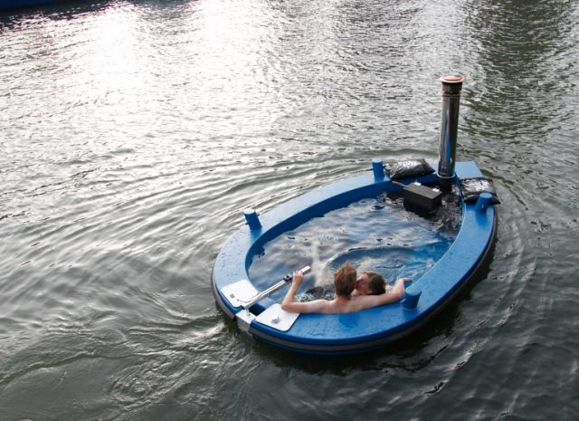 HotTug Boat - Wood-fired hot tub boat. Available from the Netherlands.