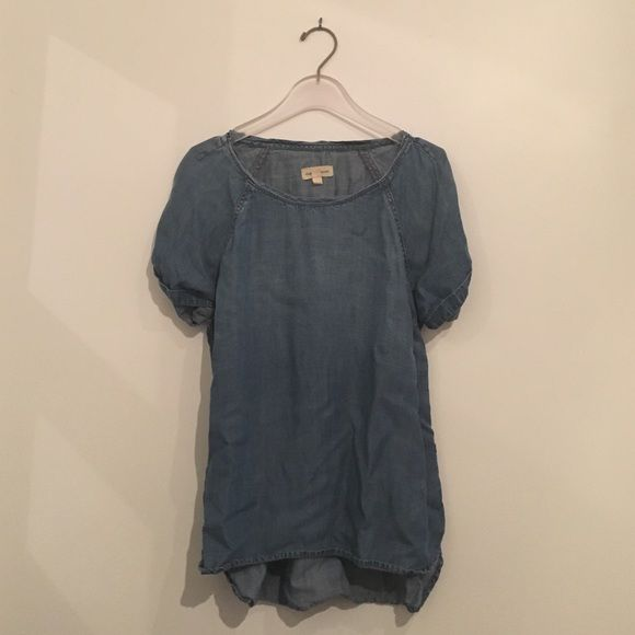 Cloth & Stone denim short sleeve top Made of soft cotton denim, cuffed sleeves and side slit. Cloth & Stone Tops Blouses