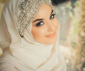 Wedding hijab with beads accessory. Simple but pretty