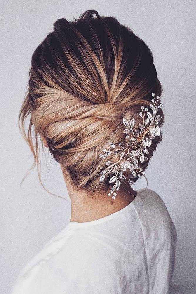 27 Lovely Wedding Hair Accessory Ideas & Tips