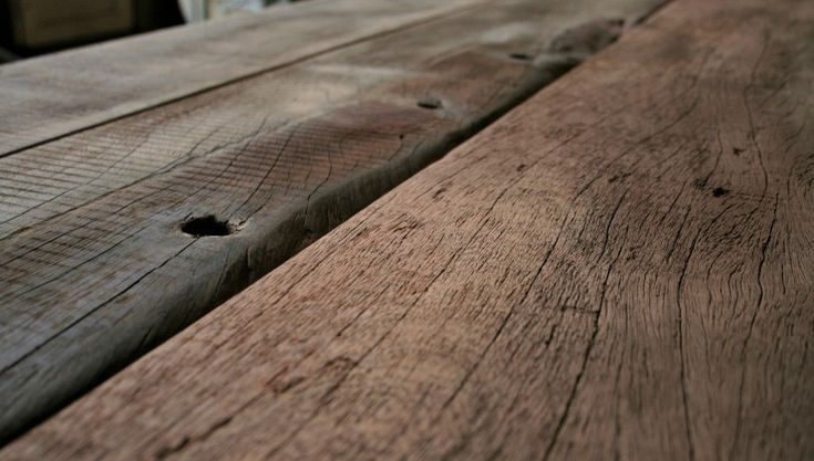 Rustic surface, THORS table: The original raw look of the wood is a result of its exposure to the natural elements for more than half a century. No two pieces of wood are identical – whichmakes each piece of furniture a unique work of art –full of character and soul.