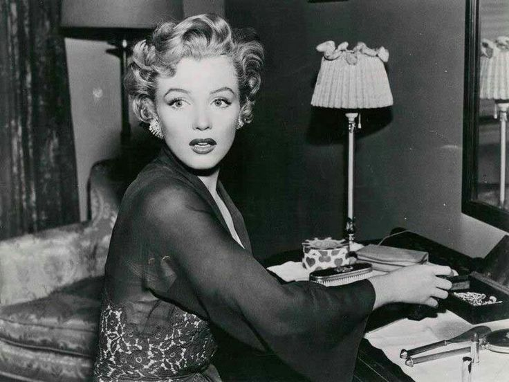 Monroe as a mentally disturbed babysitter in the thrillerDon't Bother to Knock(1952).