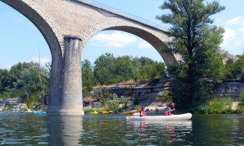 Location Canoe Ardeche, à Ruoms pour descente des Gorges de l'Ardèche