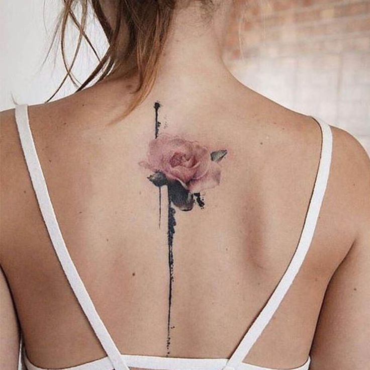 Rose tattoos for women are the latest in-vogue fashion. We cover the most popular rose tattoos for women, their meanings, and examples. Neue Tattoos, Body Art Tattoos, Girl Tattoos, Small Tattoos, Tattoos For Guys, Unique Couples Tattoos, Cool Guy Tattoos, Ladies Tattoos, Woman Tattoos