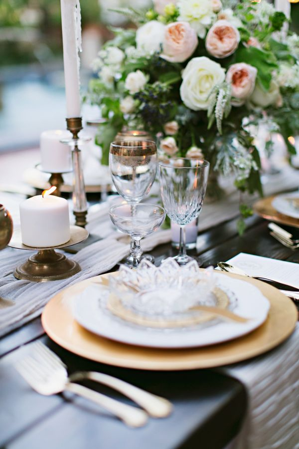 Elegant wedding decoration display using fancy tableware. gold wedding plate chargers and outstanding flower arrangement & 48 best Plate Charger For Weddings images on Pinterest | Gold ...