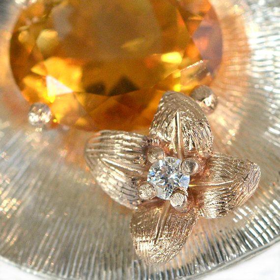 Quartz pendant yellow quartz necklace delicate di ArleneJewels
