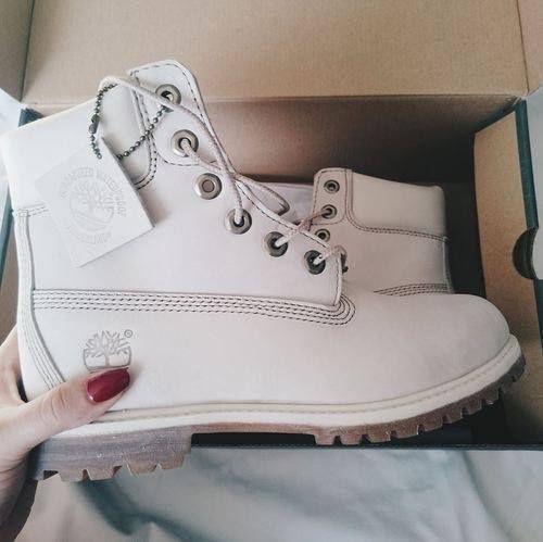 10 Maneras de perderle el miedo a los zapatos blancos