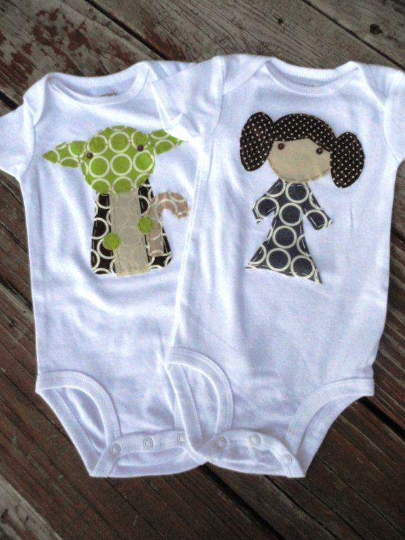 Carter and I are making this Starwars onsie for the baby!Oneisi Stars, Leia Oneisi, Stars Wars Baby Stuff, Princesses Leia And Yoda, Baby Princesses Leia, Baby Shower Gifts, Stars Wars Twin Onesies, Stars Wars Onesies, Baby Shower Twin