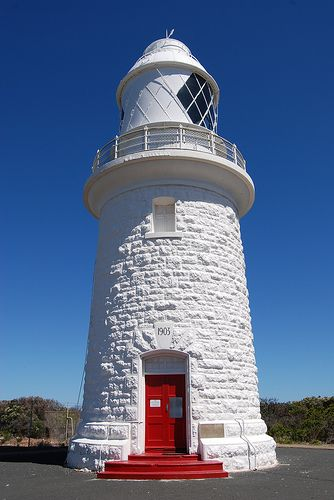 Cape Naturaliste Lighthouse	 south western region of Western Australia at the western edge of the Geographe Bay -  Australia