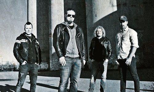 http://www.rockkocken.se/2018/01/18/nytt-album-med-sweet-lou/