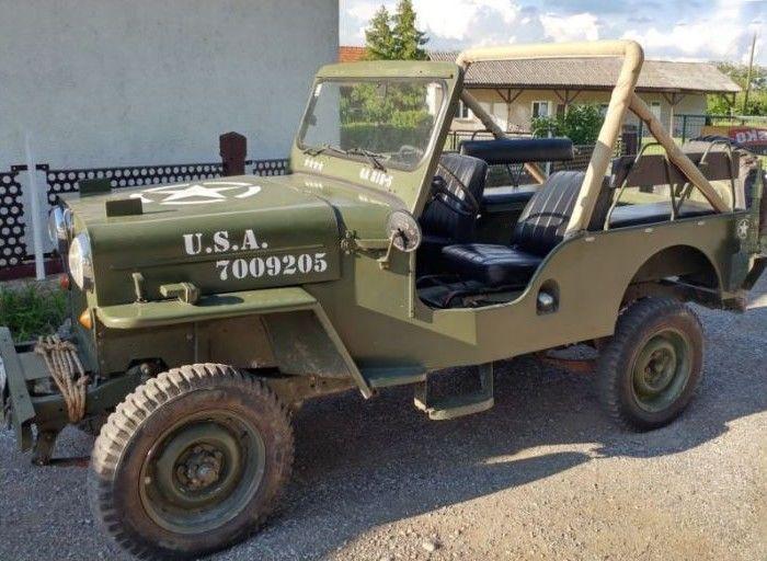 Jeep Willys CJ3B - 1955-6 persoons  -Voertuig dat wordt gebruikt door het Amerikaanse leger in Duitsland (United States Army Europe USAREUR)-Geregistreerd in 1977 als een bedrijfsvoertuig later gedocumenteerd als een 6-persoons auto in 1985 volgens de technische gegevens.-Duits technische en veiligheidsnormen inspectie (TÜV) geldig tot en met November 2018-In Duitsland geregistreerd als een historisch voertuig (Letter H op de nummerplaat)-Volledig herstel in 2015 (facturen beschikbaar op…