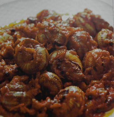 ΠΑΝ ΜΕΤΡΟΝ ΑΡΙΣΤΟΝ: Σαλιγκάρια γιαχνί...με συνταγή Αγίου Όρους...
