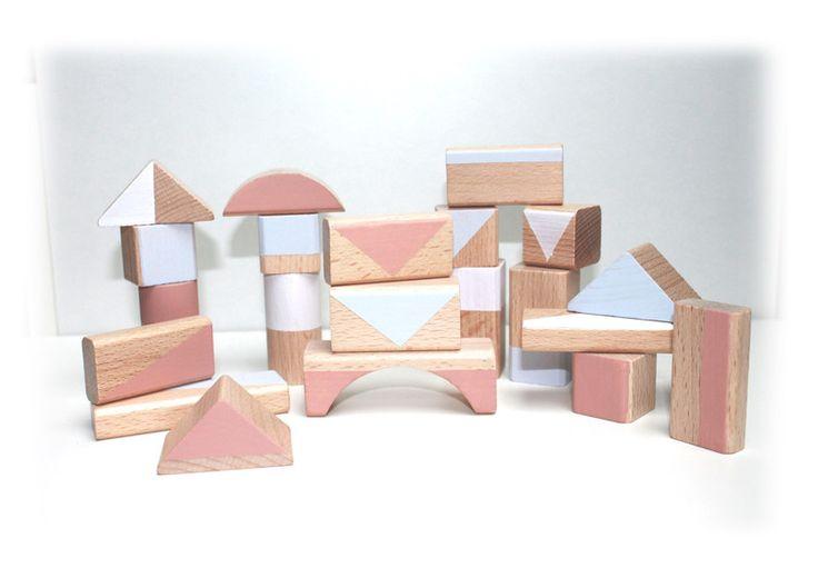Holzspielzeug - 30 Holzbausteine Bauklötze *frozen* pastell - ein Designerstück von pinuhdesign bei DaWanda