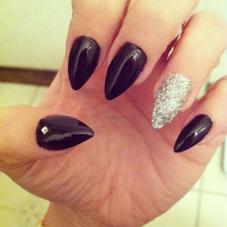 Black Pointed Nails Black and silve...