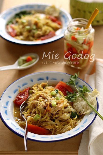 Adventurelicious | a food and travel blog: Mie Godog