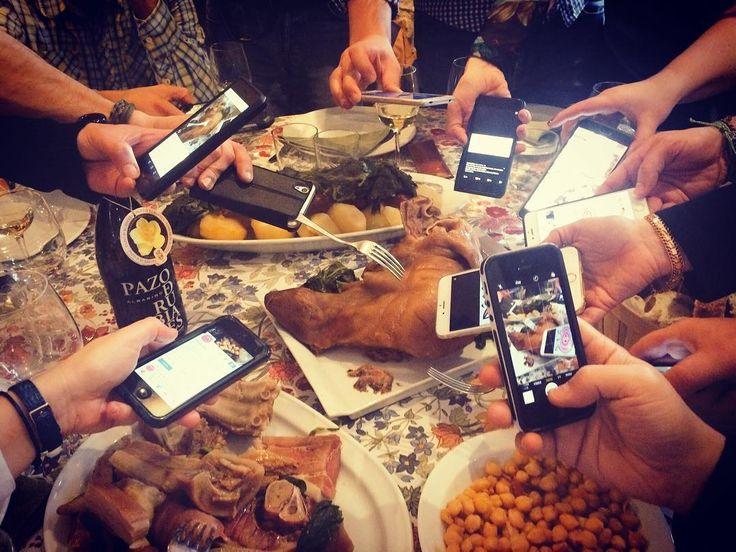 Los móviles siempre fuera de la mesa... #CocidoDay