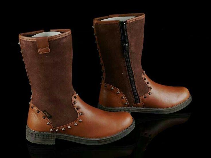 READY STOCK KIDS LEATHER BOOTS KODE : NUTTY STUDS BROWN Size 30 PRICE : Rp.225.000,- DETAIL SIZE (insole) : - Size 30 (19,5cm)  FOR ORDER : SMS/WHATSAPP 087777111986 PIN BB 766a6420 FB : Mayorishop  #pusat #sepatu #boots #anak #genuine #leather #kids #kulit #asli #branded #eropa #sisaekspor #mayorishoponline #bogor #brown #coklat #flower