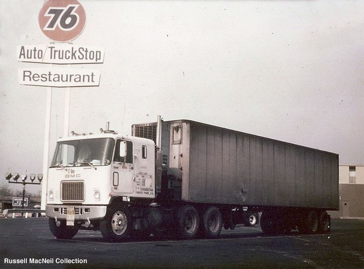 Old Dodge Trucks >> CLASSIC TRUCK STOPS of THE PAST | Freightliner trucks ...