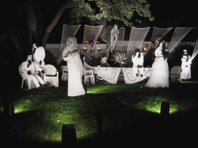 scary halloween yard decoration ideas httpinteriorfunxyz0719 - Scary Halloween Yard Decorating Ideas