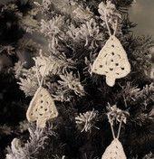 Lankakuusi - valkoinen | HilleRin Virkattu joulukuusi joulukuusen koristeeksi tai muuten vaan kotiin hengaamaan.